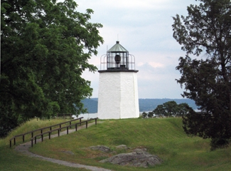 1334778166_lighthouse2.JPG